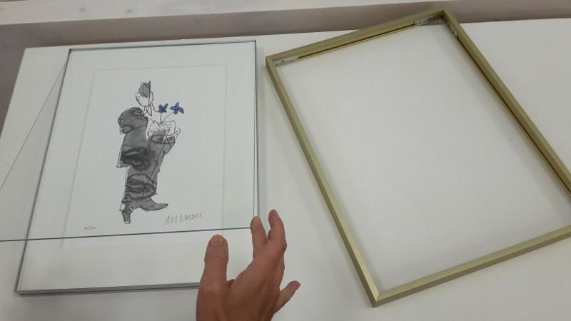 Grafik von Armin Mueller-Stahl im Nielsen Alpha Magnet Brushed Amber